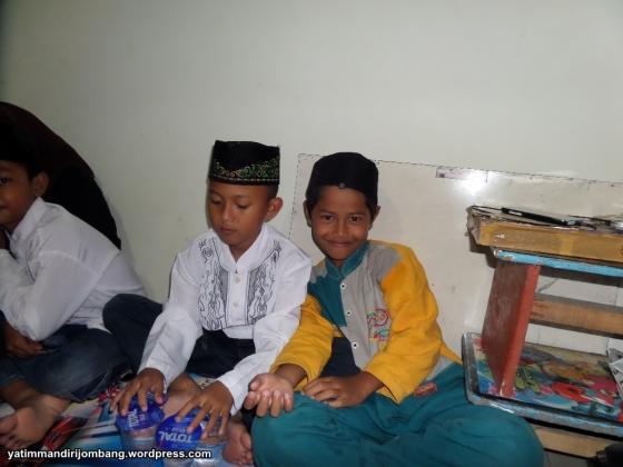 Doa Bersama Anak Yatim Tugusumberjo Peterongan